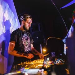 DJ Elien